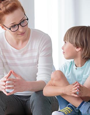 Detener el ciberbullying: el papel de los padres en la educación