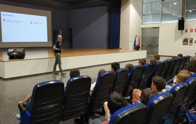 "10.500 alumnos más ""ciberseguros"" con #CiberseguridadAlCole"